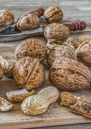 nuts reduce weight gain